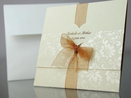 Invitación de boda elegante beis con flores 34934