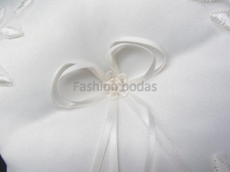 Cojín para anillos de boda - BLANCO roto DECORADO