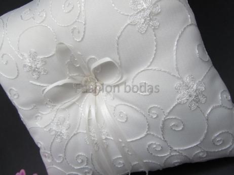 Cojín para anillos de boda - BLANCO roto DECORADO 3   ref. 1368