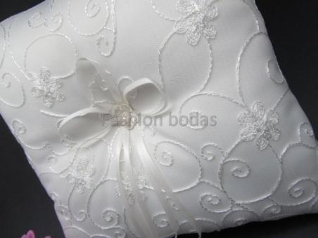 Cojín para anillos de boda - BLANCO roto DECORADO 3