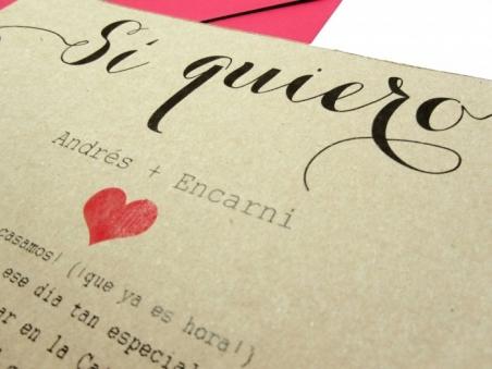 Invitación de boda barata moderna KRAFT SI QUIERO corazon