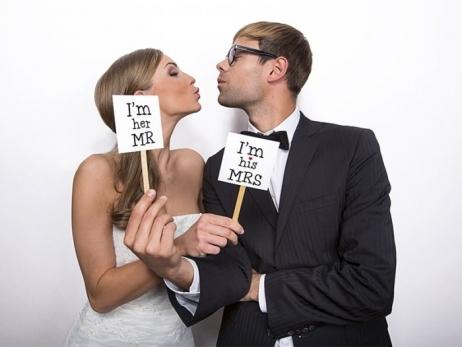MINI CARTEL PARA PHOTOCALL  I'm his MRS/I'm her MR  - KN2