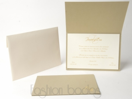 Invitación de boda clasica elegante DORADA CON INICIALES