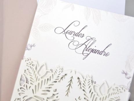 Invitación de boda - CORTE LASER sin forro en sobre  (C328-139)