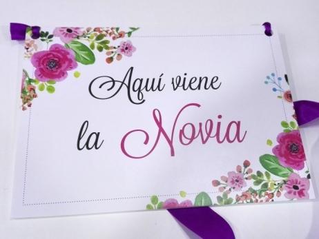 Cartel para boda - AQUI VIENE LA NOVIA (coleccion Flores Rosas)