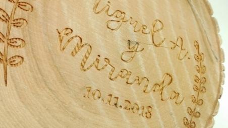 DECORACION PARA BODAS - Porta alianzas madera personalizado