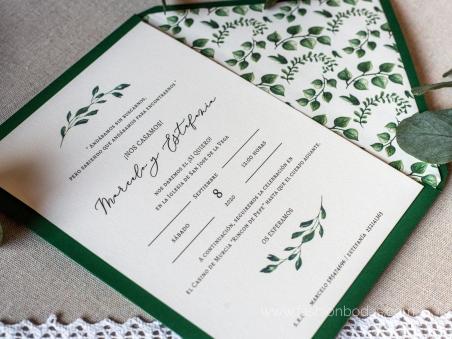 Invitaciones de boda clásicas con hojas verdes letras doradas modernas