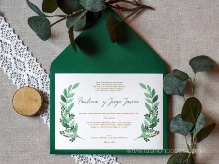 Invitaciones de boda con hojas verdes de eucalipto y letras caligrafía doradas