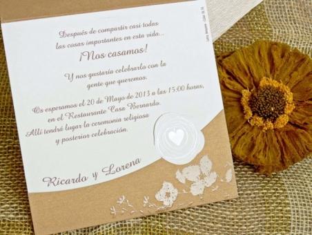 Invitación de boda barata floral dorada 32753
